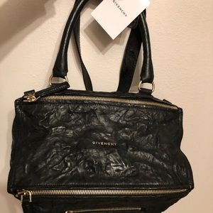Givenchy Pandora medium stressed black